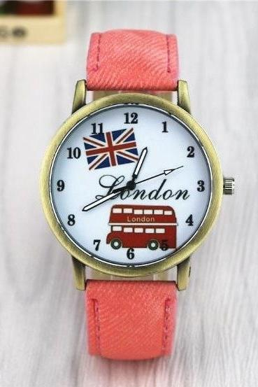 Vintage London Bus Face Leather Watchband Unisex Wrist Watch For Men Lady Retro Round Quartz Pink