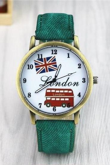 Handmade Vintage London Bus Face Leather Watchband Unisex Wrist Watch For Men Lady Retro Round Quartz Green