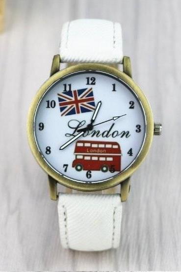 Handmade Vintage London Bus Face Leather Watchband Unisex Wrist Watch For Men Lady Retro Round Quartz White