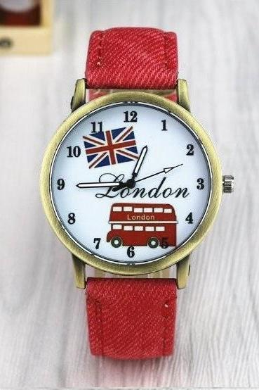 Vintage London Bus Face Leather Watchband Unisex Wrist Watch For Men Lady Retro Round Quartz Red