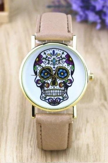 Handmade Vintage Suger Skull Face Leather Watchband Unisex Wrist Watch For Men Lady Retro Round Quartz Beige