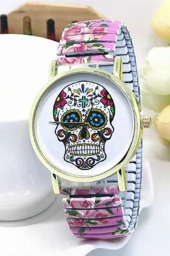 Vintage Flower Band Suger Skull Face Stainless Steel Band Unisex Wrist Watch For Men Lady Retro Round Quartz Watch Pink
