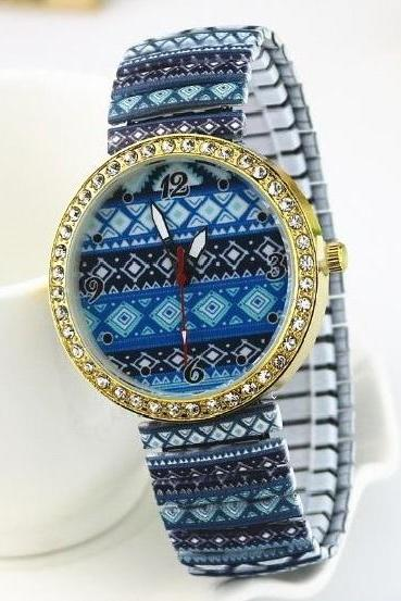Blue Flower Stainless Steel Band Unisex Wrist Watch For Men Lady Retro Round Quartz Watch