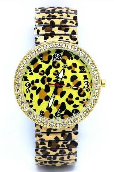 Leopard Watch With Stainless Steel Band Unisex Wrist Watch For Men Lady Retro Round Quartz Watch