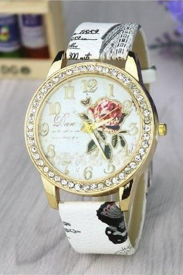 Rose Crystal Retro Quartz Watch Leather Band Unisex Wrist Watch For Men Lady Retro Round Quartz Watch White