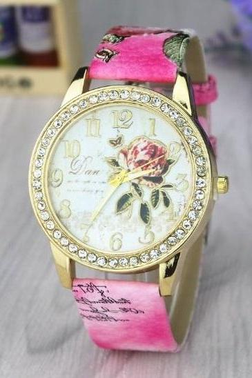 Rose Crystal Retro Quartz Watch Leather Band Unisex Wrist Watch For Men Lady Retro Round Quartz Watch Hot Pink