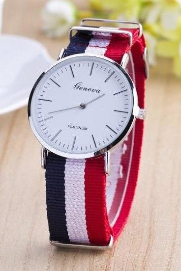 Nylon Cloth Band Watch Retro Quartz Watch Unisex Wrist Watch For Men Lady Retro Round Quartz Watch