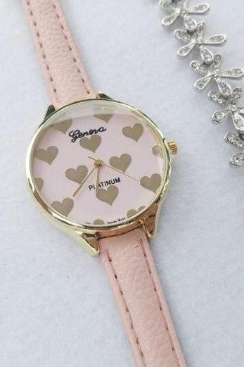 Small Heart Retro Quartz Watch Leather Band Unisex Wrist Watch For Men Lady Retro Round Quartz Watch Pink
