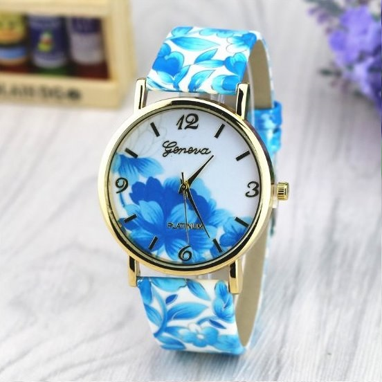 Vintage Flower Retro Quartz Watch Leather Band Unisex Wrist Watch For Men Lady Retro Round Quartz Watch Blue