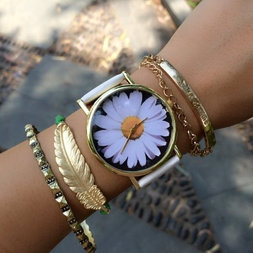 Sunflower Face Leather Watchband Unisex Wrist Watch For Men Lady Retro Round Quartz White