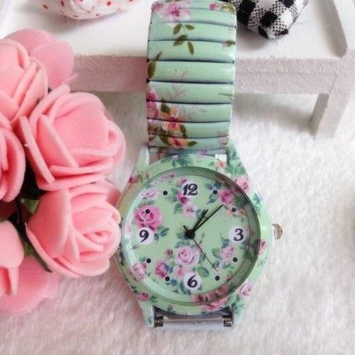 Retro Flower Face Stainless Steel Band Unisex Wrist Watch For Men Lady Retro Round Quartz Watch