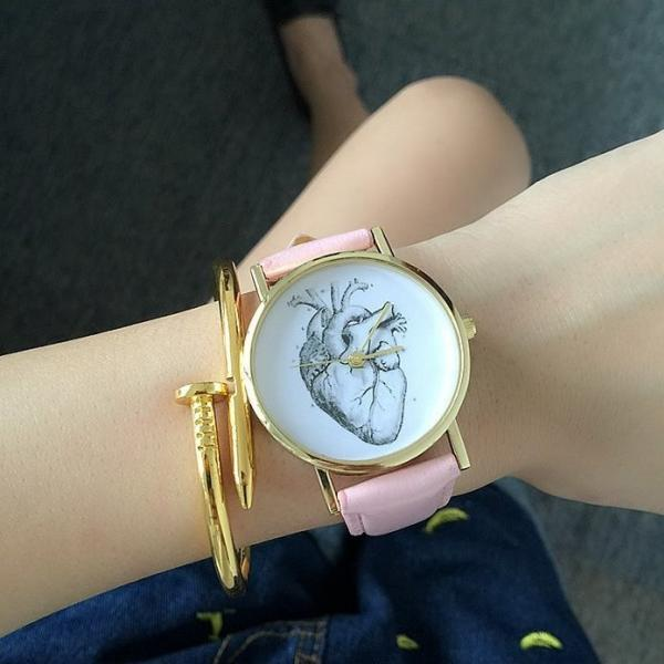 Gothic Heart Watch Leather Watchband Unisex Wrist Watch For Men Lady Retro Round Quartz Pink